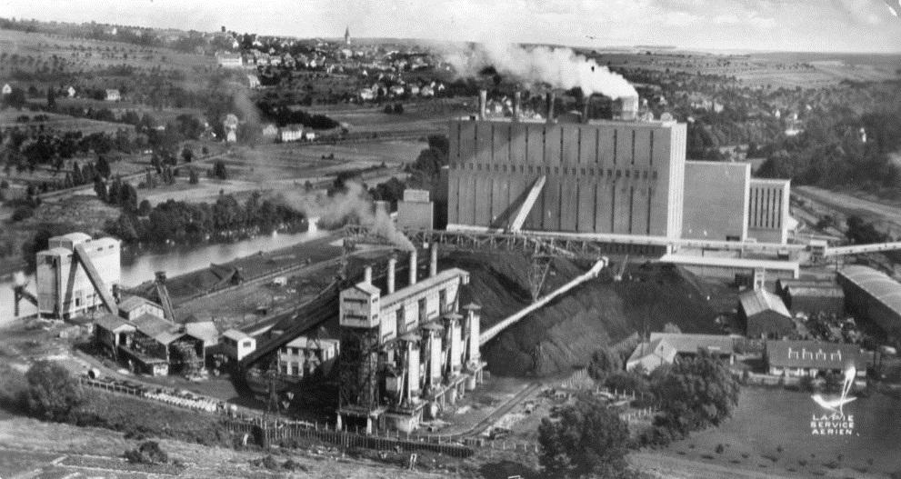 La centrale avec ses petites cheminées