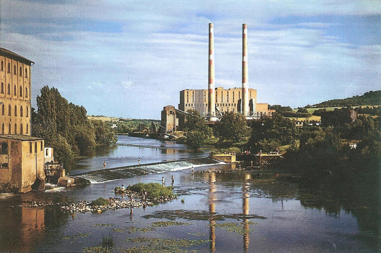 Vue de la centrale depuis le pont